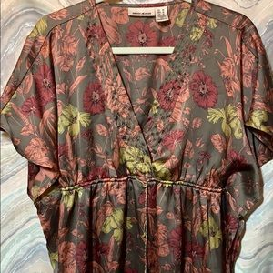 DKNY floral bohemian print flowing top, size Med